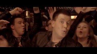 "Tommy Lips ""Zing nog een liedje "" (Officiële videoclip)"