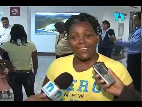 Siamesas dominicanas viajan a Estados Unidos para determinar si serán separadas
