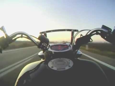 Yamaha MidnightStar 1300 acceleration