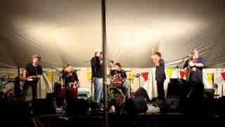 Watch Brave Combo Lilli Marlene video