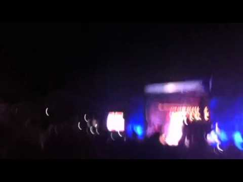 Eminem @ lollapalooza 2011 ~ till I collapse ~ tribute to Nate Dogg