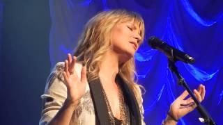 Watch Jennifer Nettles Stay video