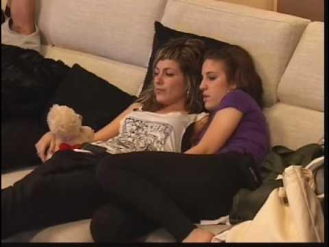 TANIAG y TANIAS juntas en el sofá OT 2008 OT2008 tania g s