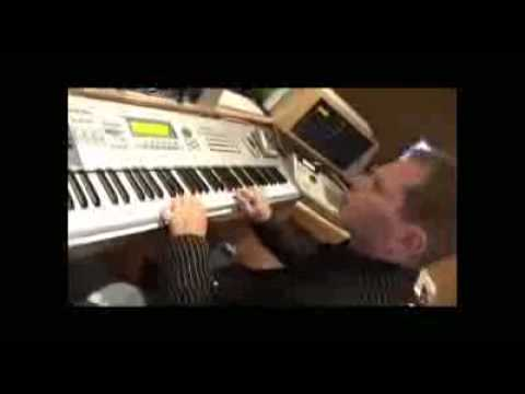 Scott Storch Making A Beat
