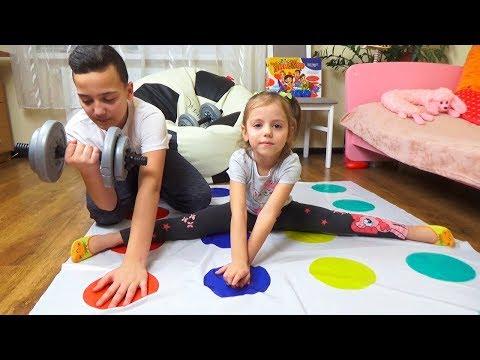 Челлендж ТВИСТЕР против СПОРТИВНЫХ упражнений ОБЛОМ шпагат Настя vs Саша Twister CHALLENGE