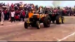 Tractor-tochan john deere vs sonalika(dangerstunt)