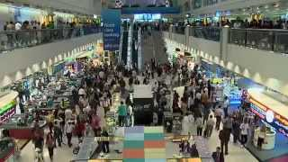 Dance Attack in Dubai International Airport AWESOME)