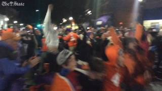 Tigers fans go wild for Clemson score