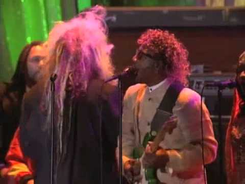 "Parliament-Funkadelic Performs ""Give Up The Funk (Tear The Roof Off The Sucker)"" in 2002"