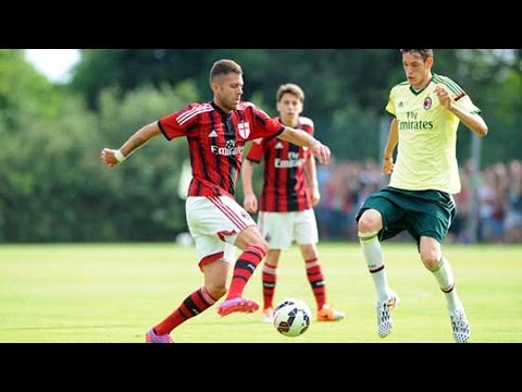 The first match of the season | AC Milan Official