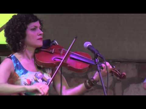 Carrie Rodriguez and Luke Jacobs ~Devil in Mind~ LIVE IN AUSTIN TEXAS at Guerro's