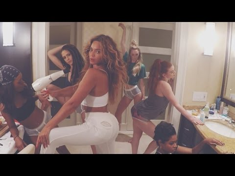 Beyoncé premieres playful '7/11' video...