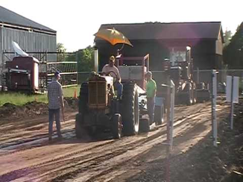 Ainsworth Ne antique tractor pull