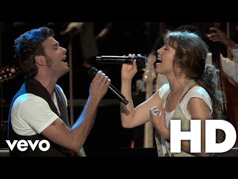 download lagu Thalia, Pedro Capó - Estoy Enamorado gratis