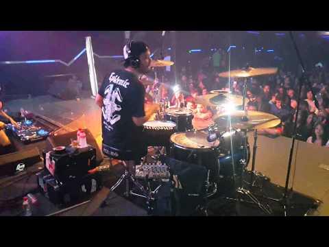 Eno Netral Drum Cover feat DJ Tira Haze At Liquid Jogja 8 April 2015