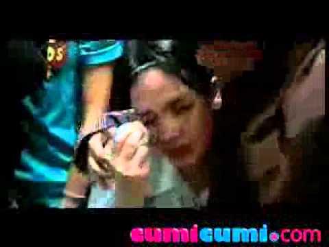 download lagu Luna Maya Nangis Saat Dinyanyikan Lagu C gratis