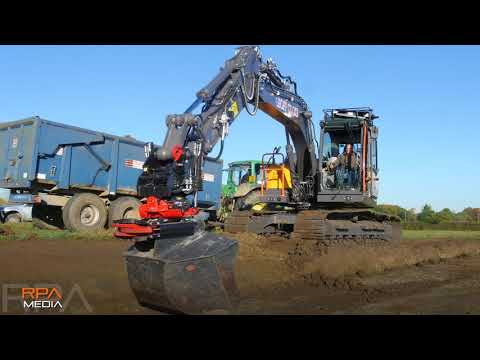 Geoff Cooke's Volvo EC140E and Rototilt