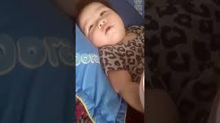 Những khoảnh khắc hài hước của em bé - Bé Suny