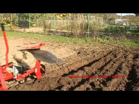 Charrue reversible micro tracteur