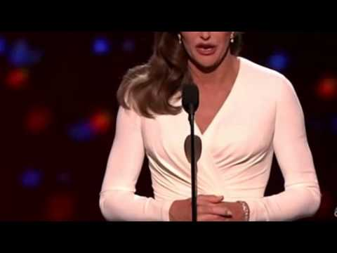 Caitlyn Jenner_ Standing ovation at sports awards ceremony - BBC News