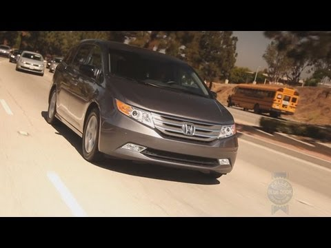 2013 Honda Odyssey Video Review - Kelley Blue Book