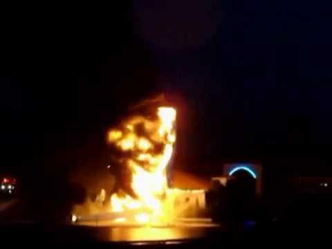 Молния уничтожила 25 метровую статую Иисуса Христа в США