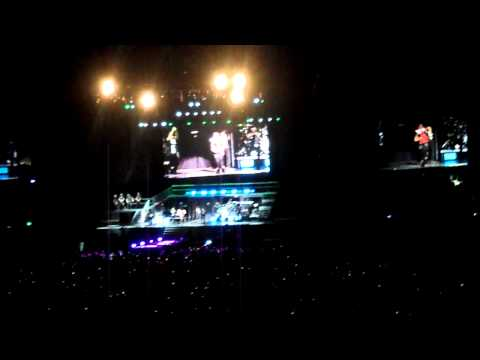 justin bieber live mexico 01 oct one time (HD)