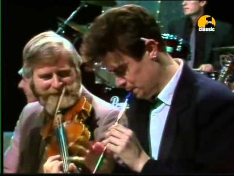 Dubliners - The Irish Rover (The Dubliners and The Pogues - 1987)