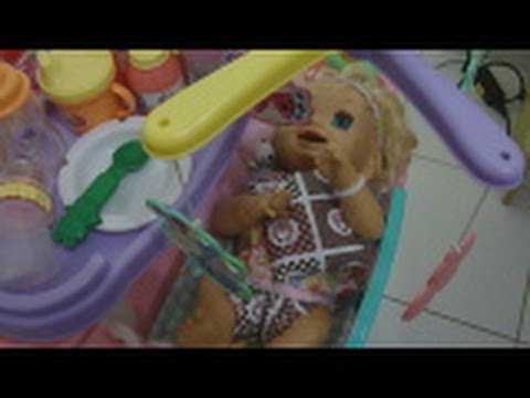 Charlie e suas irmãs - Baby Alive e Little Mommy by Julia