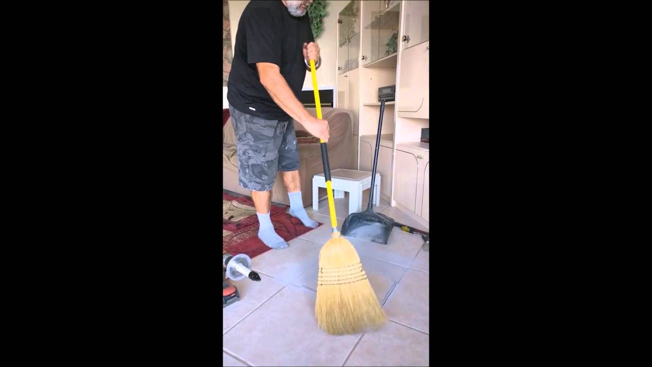 Remove floor tile grout