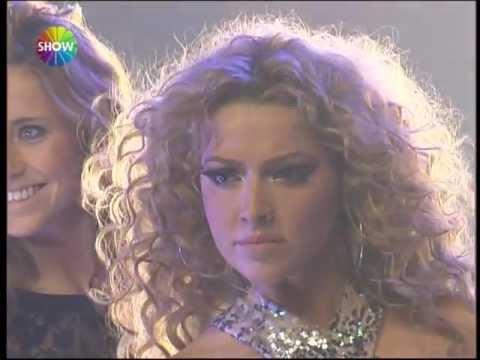 Hadise - Superman (Show TV 2012 Yılbaşı Konseri)