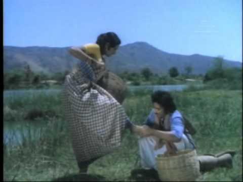 16 Vayathinile - Attukutti Muttayittu - Tamil Song