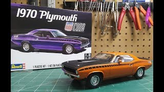 Revell 1970 Plymouth AAR Cuda 1/25 Scale Model Kit Build Review 85-4416