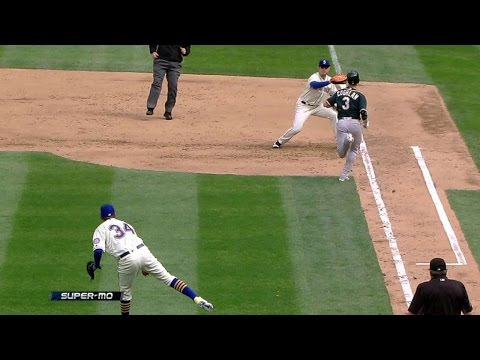 OAK@SEA: Coghlan called out on batter interference
