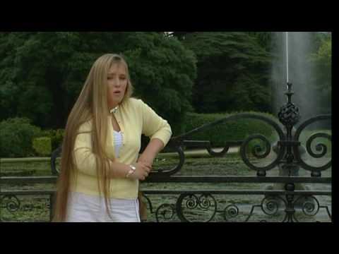Chloe Agnew - Nella Fantasia video