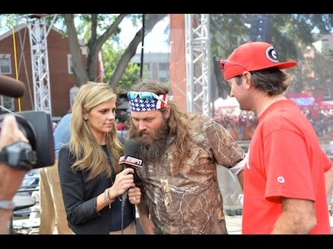 Willie Robertson of DUCK DYNASTY on ESPN College GameDay (Full Segment HD)