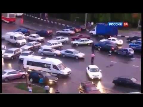 Стихия разбушевалась. Видео  ДТП в Саратове с участием 37 машин