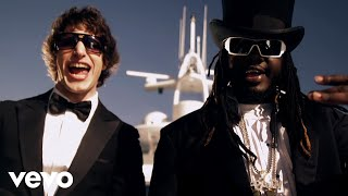Клип The Lonely Island - I'm On A Boat ft. T-pain