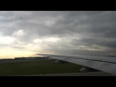 Singapore Airport Picture   on Take Off   Continental B777   Vxv  Videos X Vos