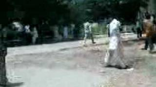 Download STUDIENTS  FIGHT AT UNVERSITY OF SINDH JAMSHORO BY SOOMRO.3GP 3Gp Mp4