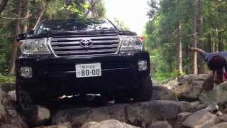 Land Cruiser 200 offroad ロック