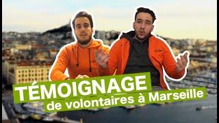 De jeunes volontaires marseillais recensent l'accessibilité des lieux avec l'application JACCEDE
