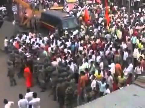 Indian Muslim Hoisting Islamic Flag In Maharashtra Infront Of Hindu Extremist video