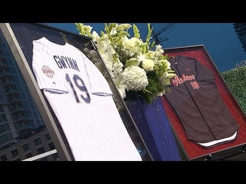 Padres hold public memorial service for Tony Gwynn