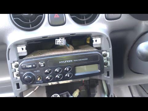 Hyundai atoz/amica radio facia removal