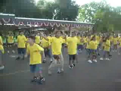 School Kids Dancing To The Cupid Shuffle video