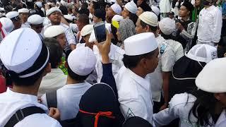 Pengawalan Habib Bahar bin ali bin smith menembus jutaan umat islam di monas acara riuni 212 2018