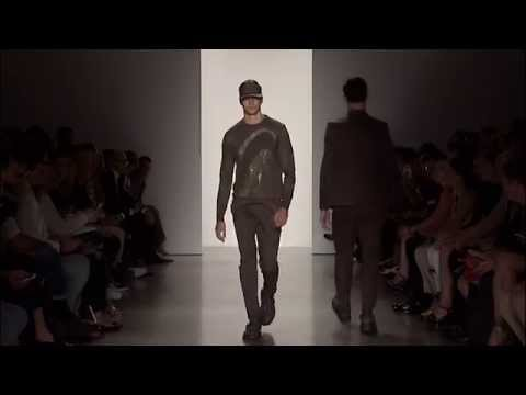 Descubre la colección de Calvin Klein Spring 2016 Runway Show, ¡ideal para trajes de hombre!