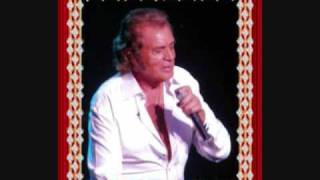 Watch Engelbert Humperdinck Deep In My Heart video