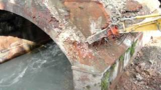 Demolizione ponte ferroviario sulla Dora Riparia